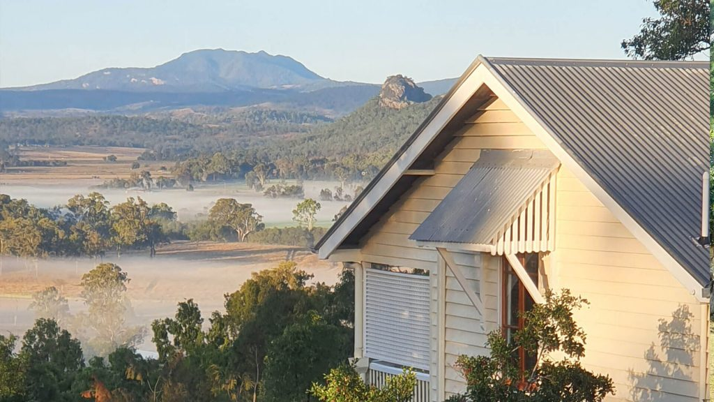 vanbery-cottage-destination-scenic-rim-accommodation