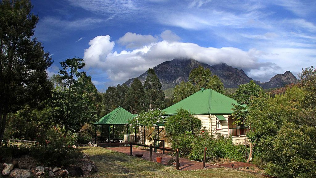 mt-barney-lodge-accommodation-camping-eco-nature